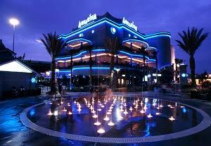 downtown aquarium fountains