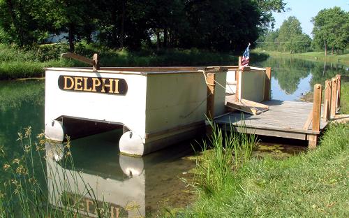 Canal boat Delphi
