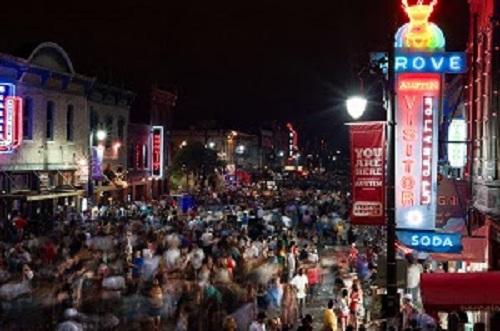 sxsw crowds on 6th street on Saturday music night.